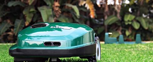 Le robot tondeuse Robomow: ma chronique à Cap sur l'été