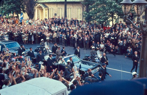 Arrivée du général de Gaulle à l'hôtel de ville de Montréal, 24 juillet 1967. Archives de la Ville de Montréal.