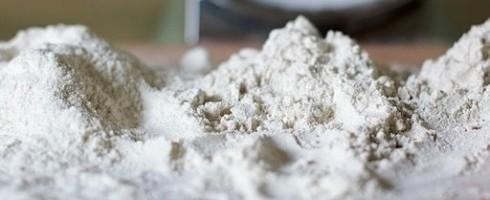 Dessiner avec la farine